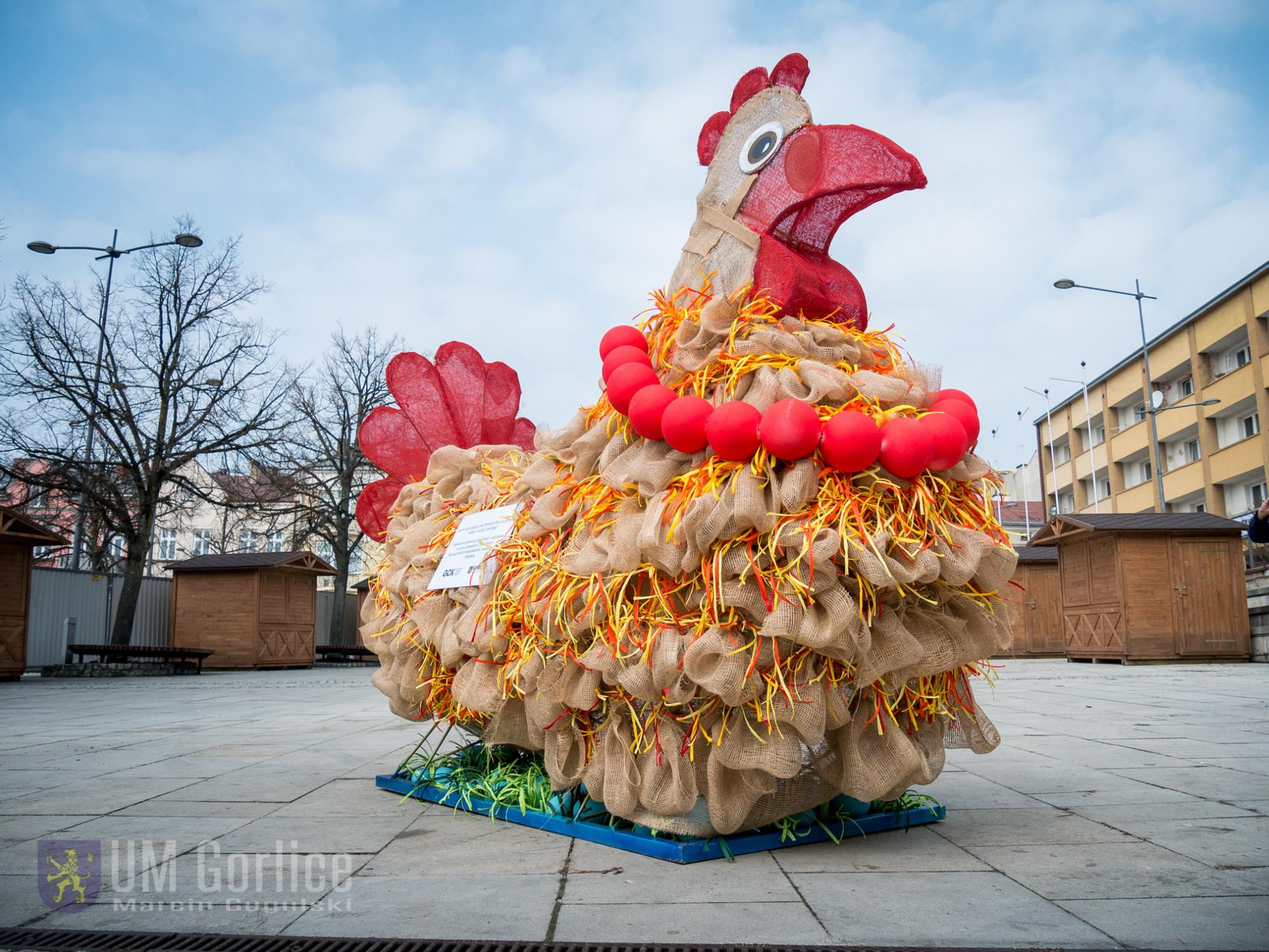 Wielkanocna kurka stanęła nagorlickim Rynku!